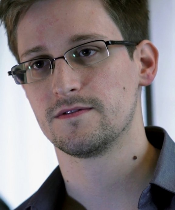 A picture of Edward Snowden before fleeing the United States