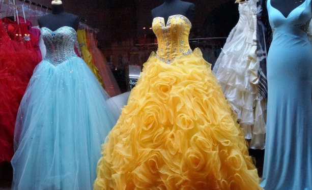 Ballgown style prom dresses