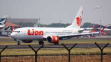 Lion Air 737 at an airport (Google Common License)